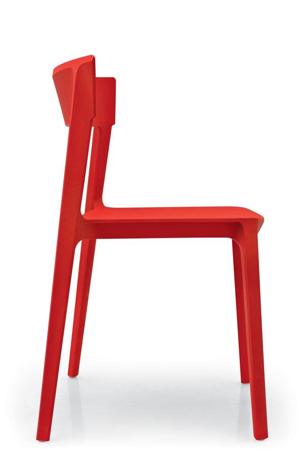 Chaise monocoque rouge de la marque Calligaris