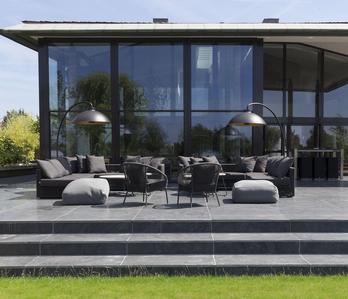 Dome chauffant et éclairant pour terrasses et jardins