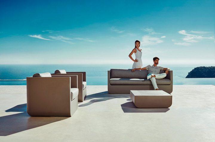 Canapé et 2 fauteuils + table basse marron par ULM